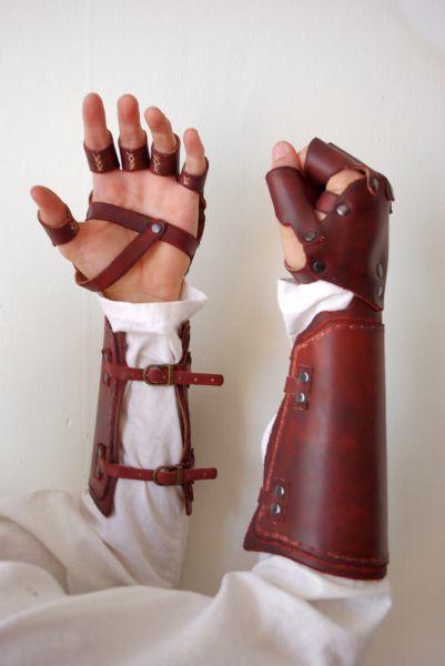Armures en cuirs Ganteletcuirarteide02